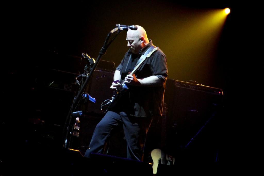 Steve-Mac-un-des-guitaristes-de-la-formation