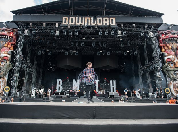 bring-out-the-horizon-at-download-festival-2014-1403269973-view-0