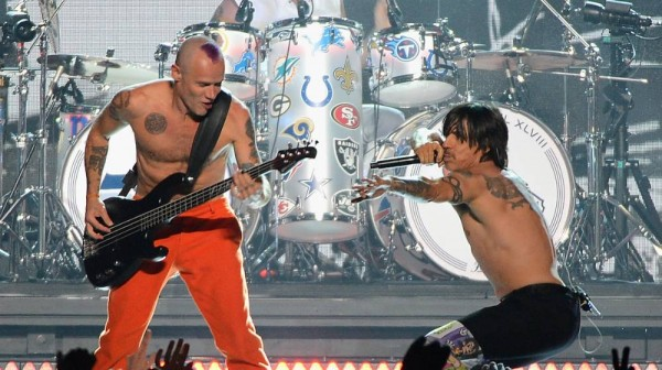 red-hot-chilli-peppers-2016-tour-1446071800