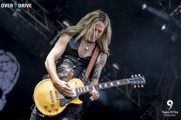 Doug Aldrich doing what he does best - Ramblin' Man Fair © OVERDRIVE 2016