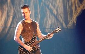avenged-sevenfold-synyster-gates