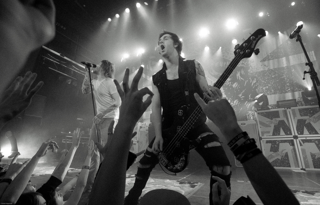 Asking Alexandria Live