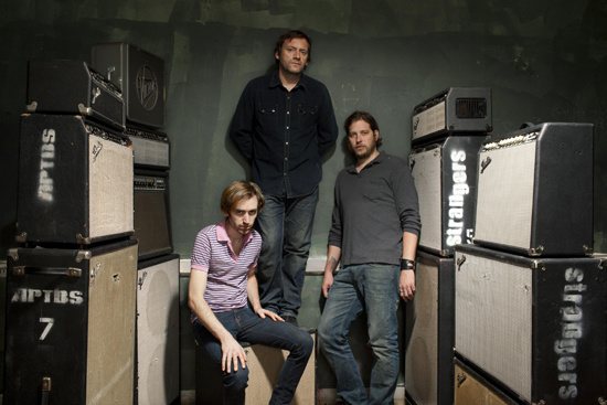 a_place_to_bury_strangers_large_1255962103_crop_550x367