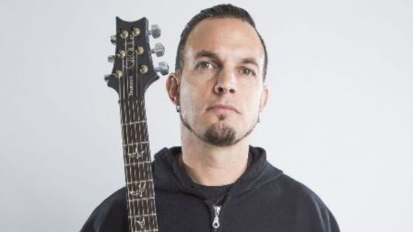 57454B90-mark-tremonti-featured-on-new-episode-of-the-right-to-rock-podcast-audio-image